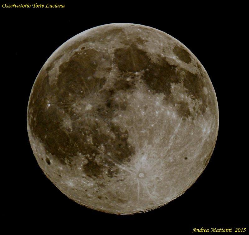 foto Osserviamo la Luna al primo quarto